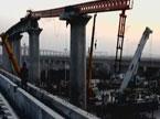 郑州一处铁路架桥机掉落造成两死一伤