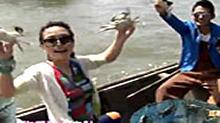 "<B>杨乐乐</B>KK玩转阳澄湖 蟹农现场揭秘优质""大闸蟹"""
